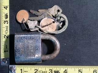 Pad Lock Working with Keys YALE JUNIOR Yale & Towne Mfg. Co.