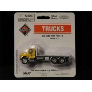 HO Scale International 4900 Flatbed Yellow/Silver 4013 86