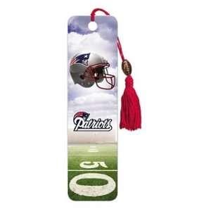 (2x6) New England Patriots Helmet Beaded Bookmark