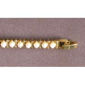 Ladies Fashion BRACELET Gold Tone & Faux Pearl Tennis Style Bracelet
