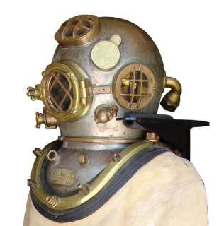 US NAVY MARK V FULL DIVING SUIT JAKE DISPLAY STAND   MUSEUM QUALITY