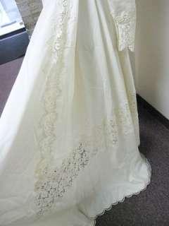 SWEETHEART NECKLINE WEDDING DRESS IVORY LACE LONG SLEEVES MONTALDOS SM