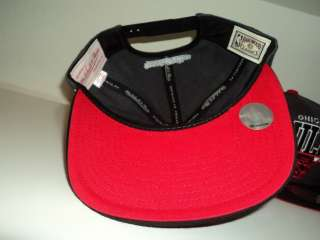 CHICAGO BULLS SNAPBACK MITCHELL AND NESS RETRO HAT CAP GREY