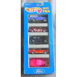 Hot Wheels Ford Gift Pack 5 Car Set w/ 5 Collectible 164 Scale Die